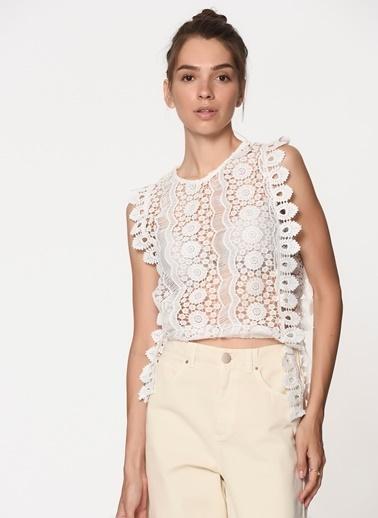 Monamoda Kolsuz Güpür Dantel Bluz Beyaz